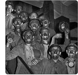 górnicy po szychcie