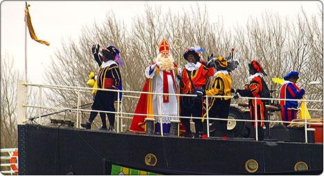Mikołaj na statku parowym